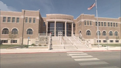 A picture of the front of the Chaves County Courthouse